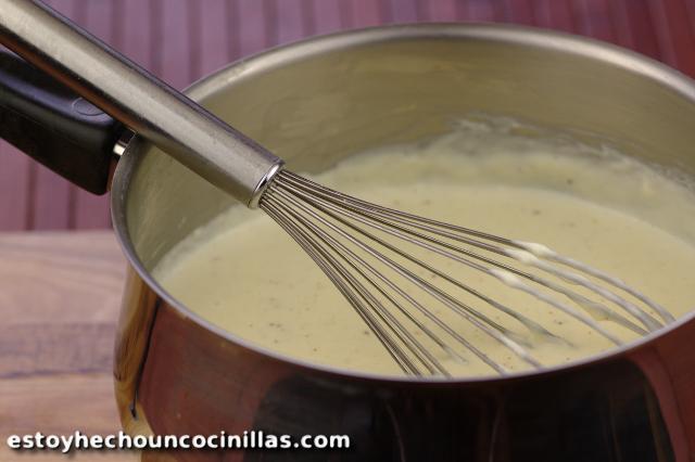 Sauce béchamel. Recette rapide, facile et inratable.