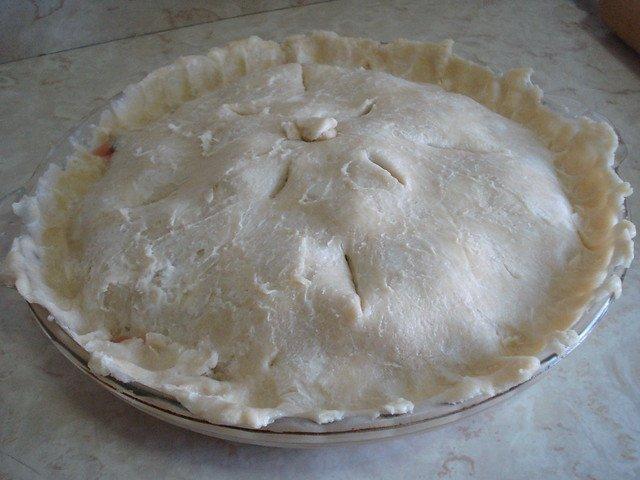 Tarte aux cerises avant cuisson (flickr.com)