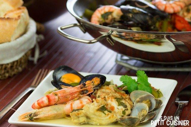 Cataplana aux poissons et fruits de mer