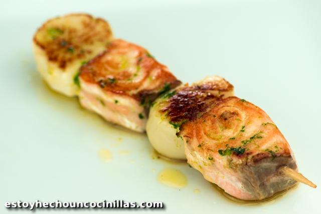 Brochettes de saumon et noix de Saint-Jacques