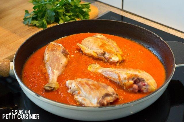 Poulet sauce tomate (remettre le poulet)