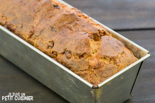Cake au chorizo, poivron rouge et mozzarella (dans le moule)