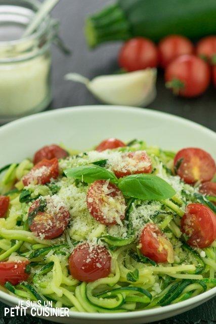 Spaghettis de courgette aux tomates cerises