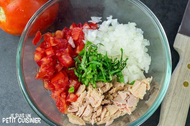 Tartare de tomate au thon (mélanger)