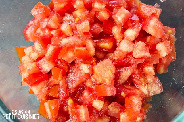 Tartare de tomate au thon (tomates concassées)