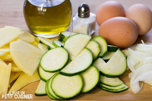 Poêlée de courgettes, oignons et pommes de terre aux œufs (ingrédients)