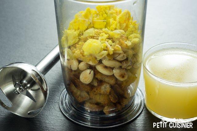Poulet en sauce au safran et amandes (mixeur)