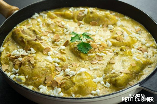 Poulet en sauce au safran et amandes (pollo en pepitoria)