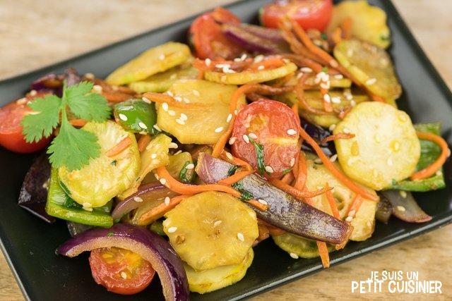 Wok de légumes aux tiges de brocoli