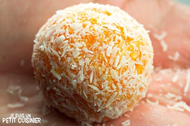 Truffes aux carottes et noix de coco