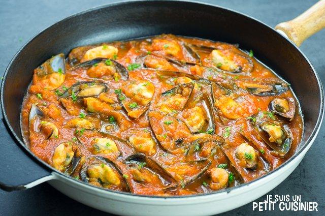 Moules sauce piquante (poêle)