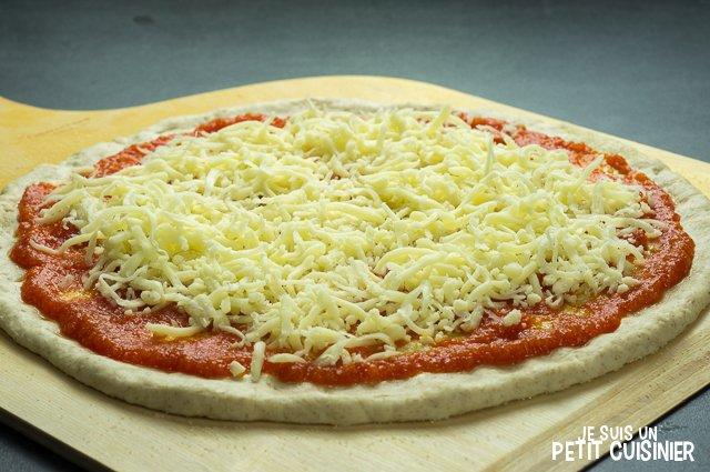 Pizza aux anchois (tomate et mozzarella)