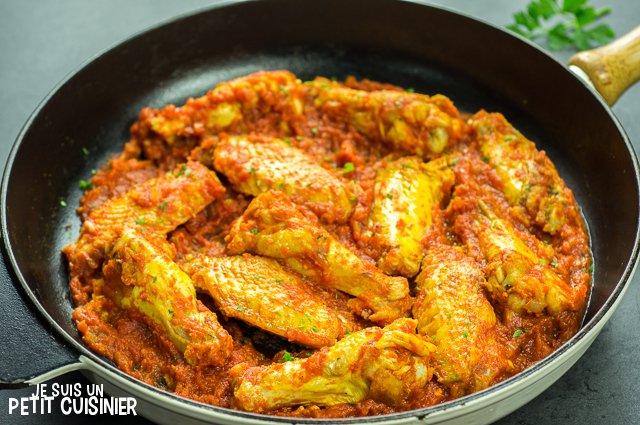 Ailes de poulet à la sauce tomate