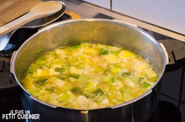 Velouté de poireaux (bouillon)