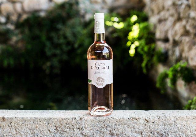 Vin rosé Croix d'Albert.