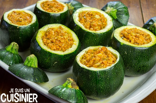 Courgettes rondes farcies (farcir)