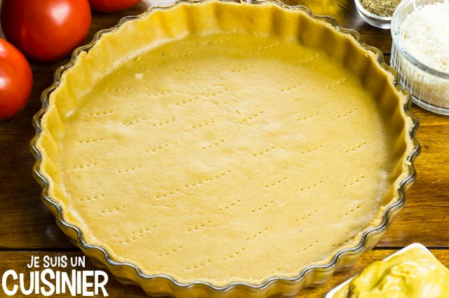 Tarte à la tomate et moutarde (foncer le moule)