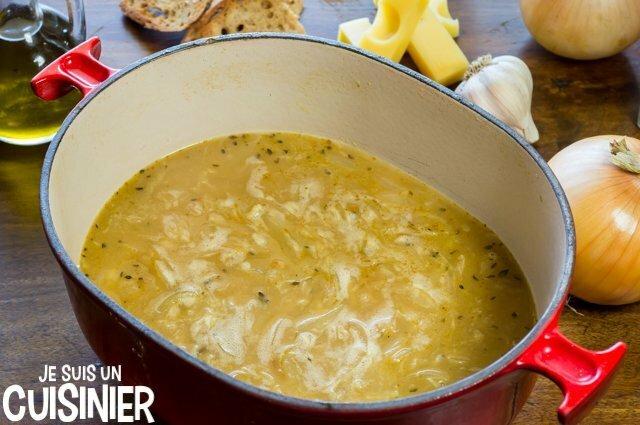 Soupe à l'oignon gratinée (bouillon)
