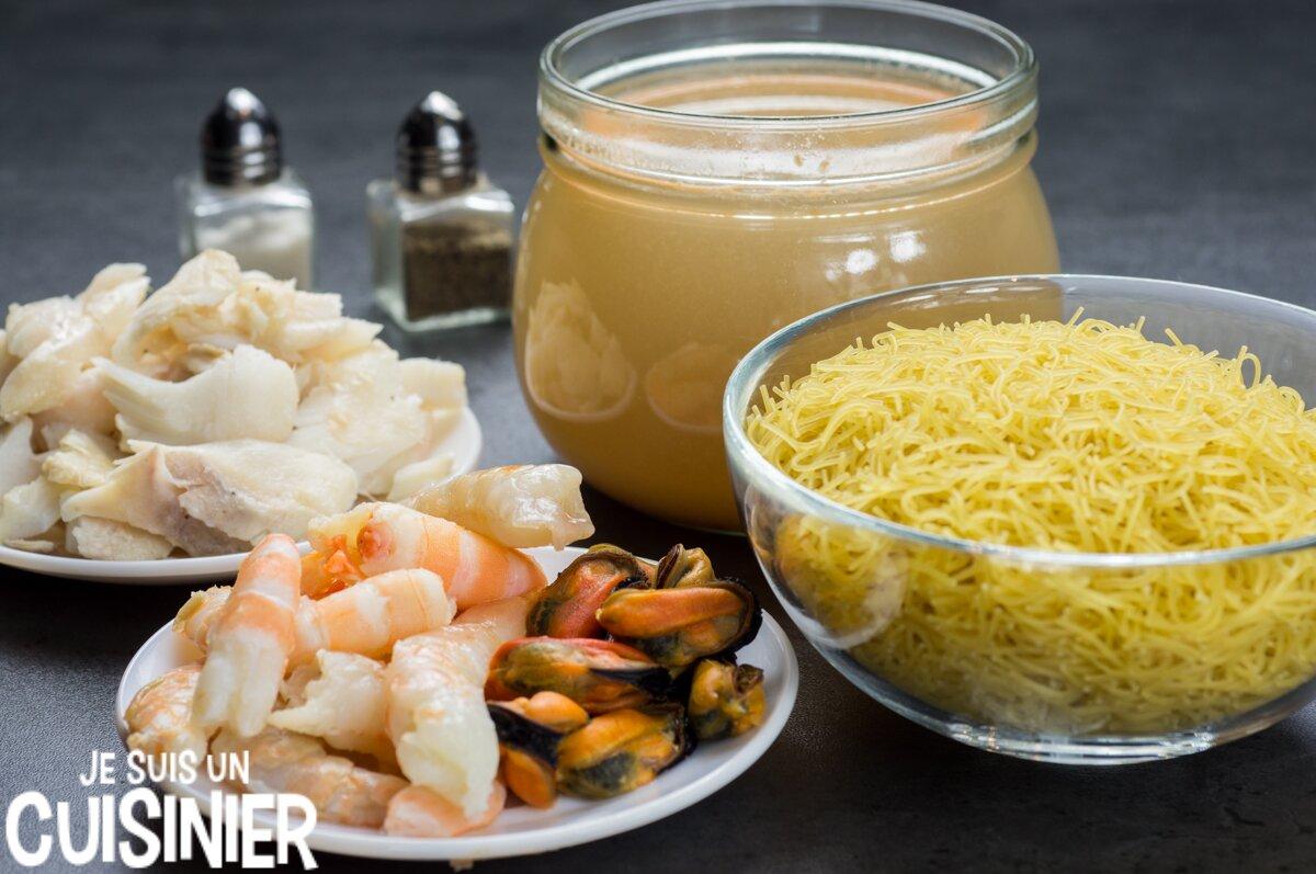 Soupe au poisson, fruits de mer et vermicelle (ingrédients)