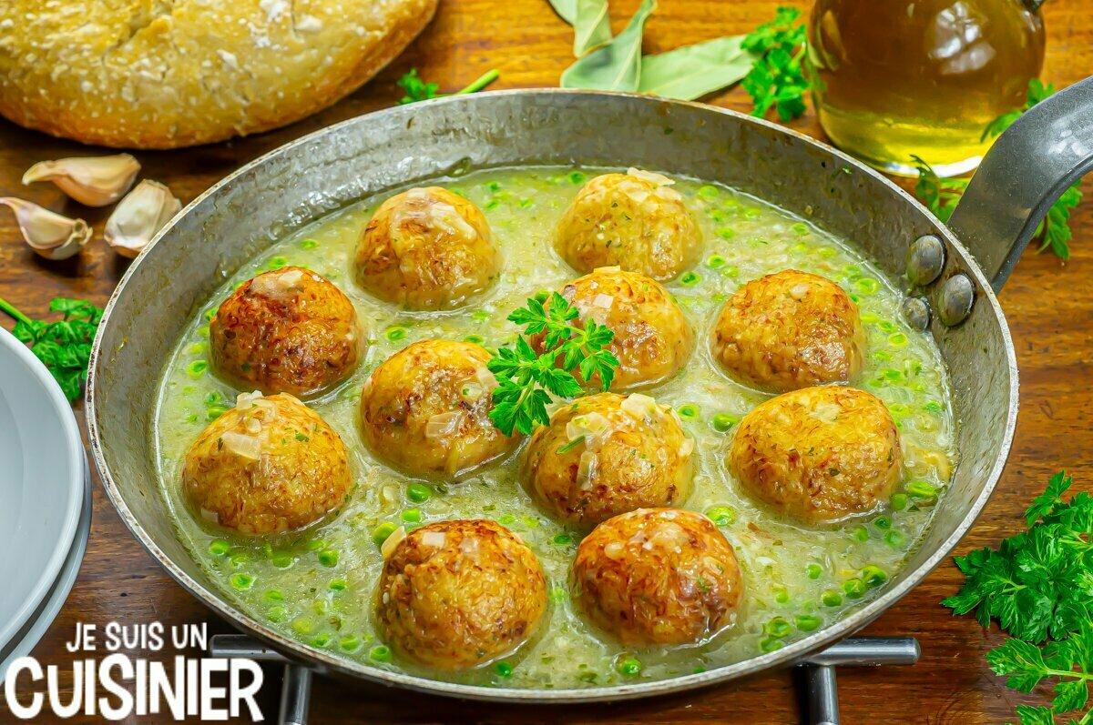 Boulettes de morue sauce verte à l'ail et persil