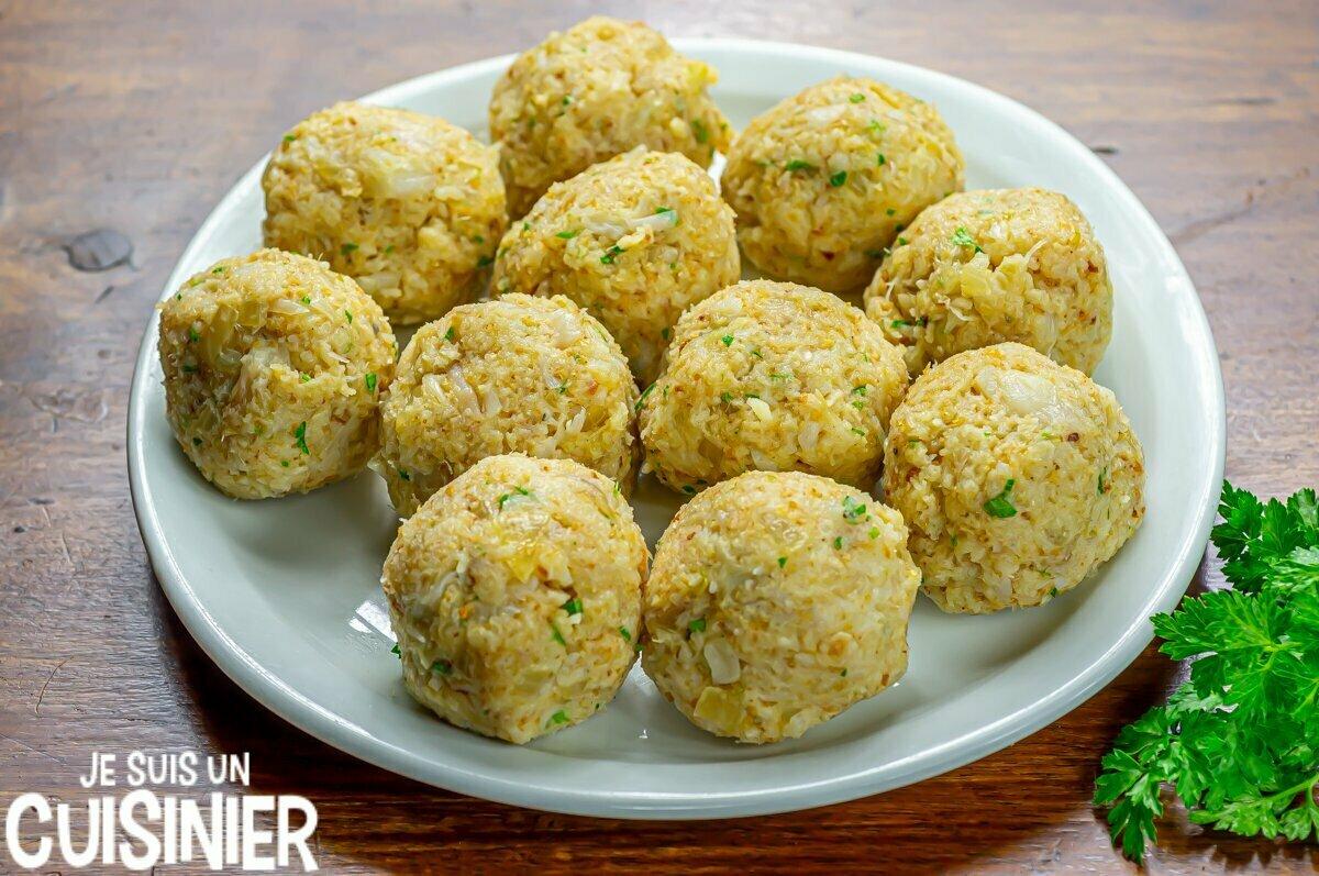 Boulettes de morue sauce verte (former les boules)