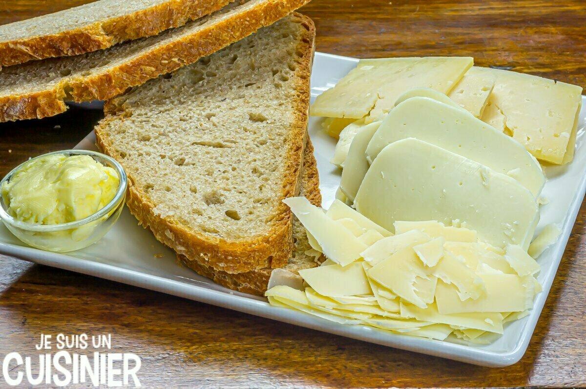 Ingrédients pour sandwich au fromage fondu (grilled cheese)