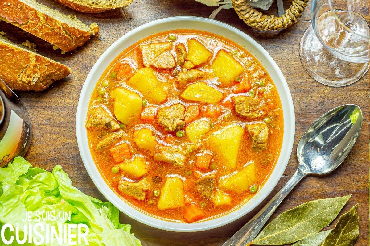 Ragoût de pommes de terre au sauté de porc et légumes
