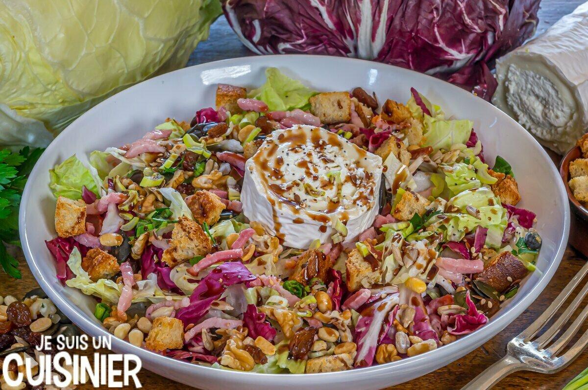 Salade de chicorée rouge, pain de sucre et chèvreSalade de chicorée rouge, pain de sucre et chèvre