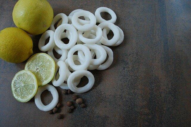 Ingrédients calamars en sauce à l'encre