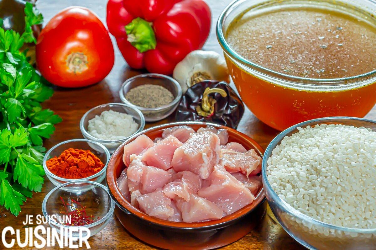 Ingrédients pour paella au porc (riz au porc à l'espagnole)