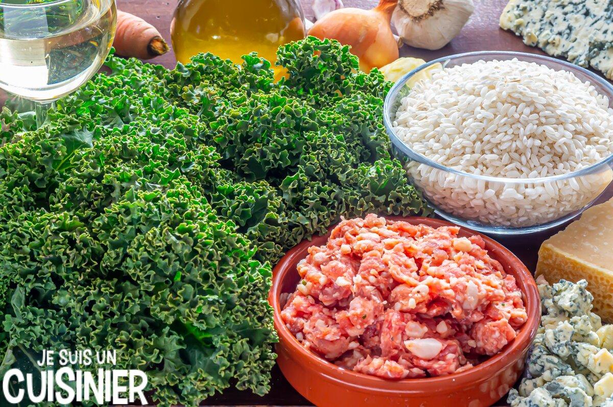 Ingrédients risotto aux saucisses, chou kale et fromage bleu