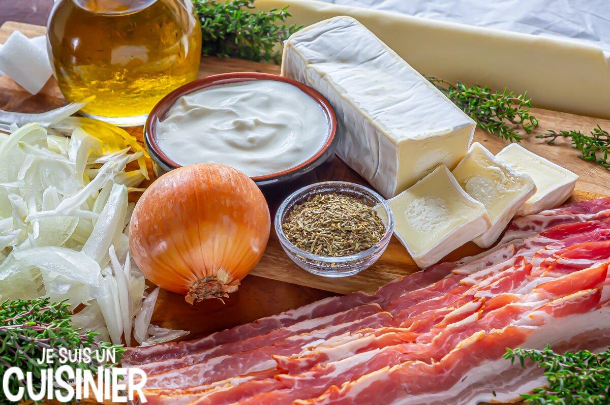 Ingrédients pour tarte fine feuilletée au fromage, oignon et poitrine