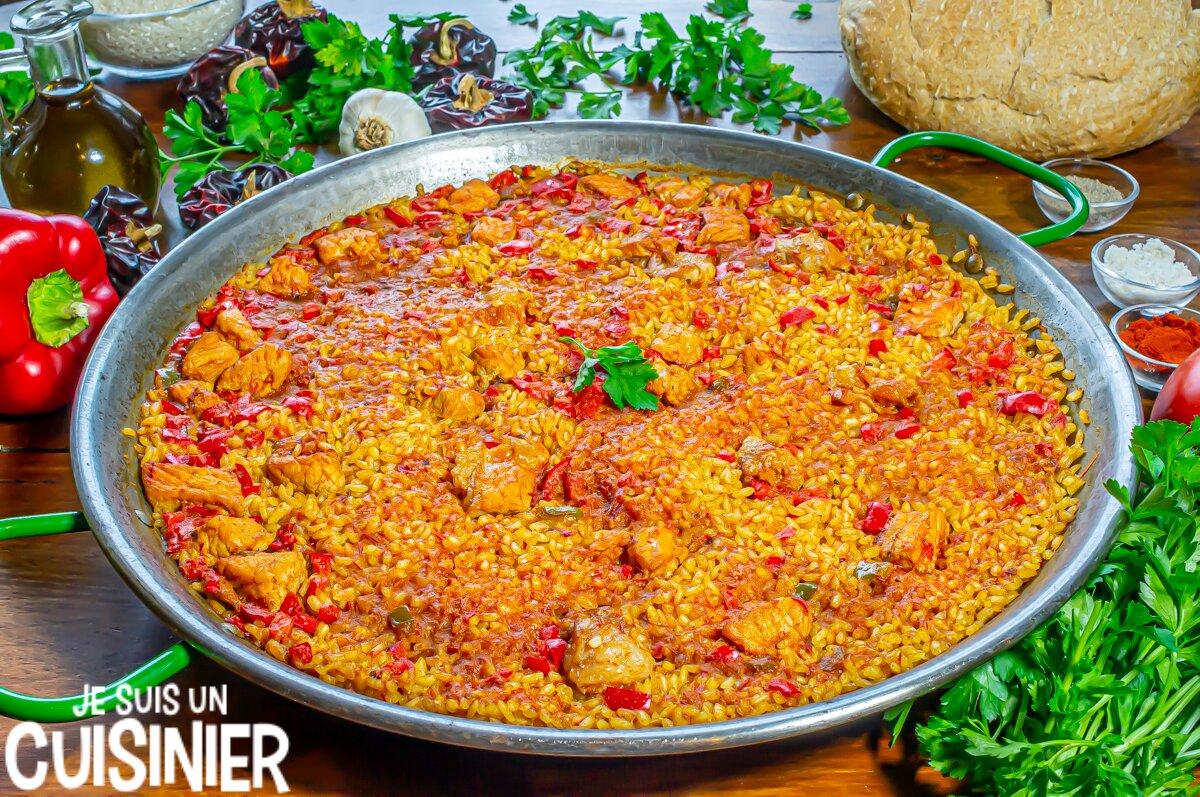 Paella au porc (riz au porc à l'espagnole)