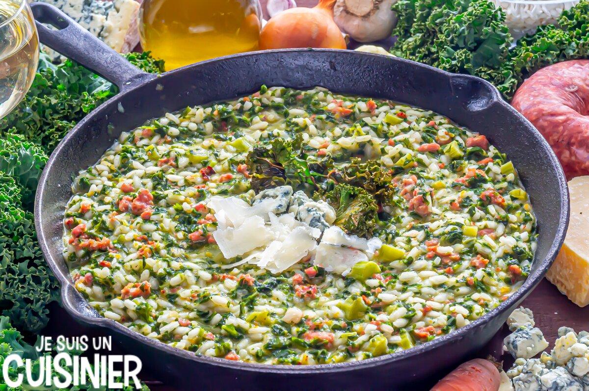 Risotto aux saucisses, chou kale et fromage bleu ()