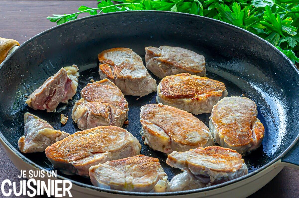Filet mignon de porc sauce roquefort (saisir la viande)
