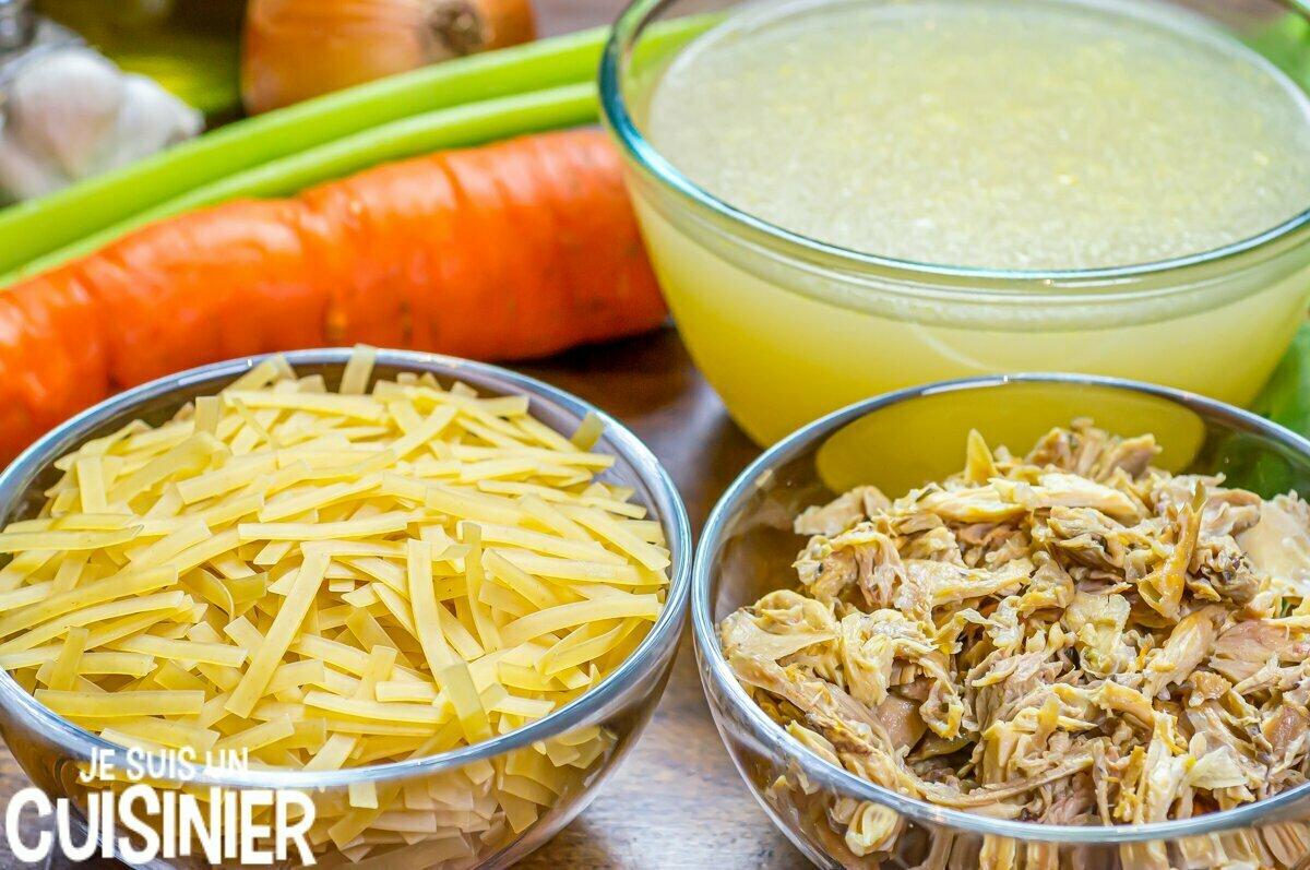 Ingrédients chicken noodle soup (soupe de poulet aux légumes et nouilles)